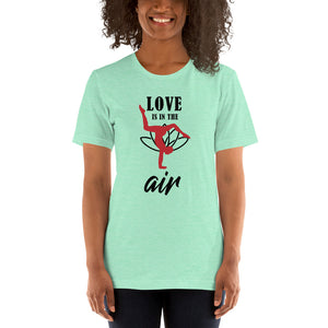 - Love is in the Air - Kurzärmeliges Unisex-T-Shirt
