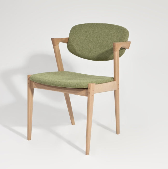 Viviana II Chair - Timeless Design