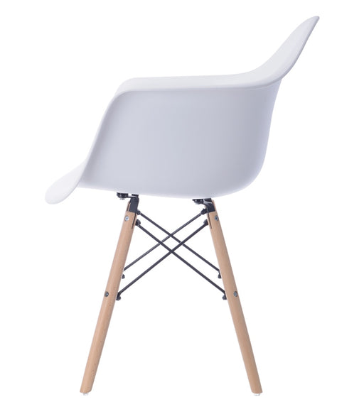Connie PP II Chair (Wooden Leg) - Timeless Design