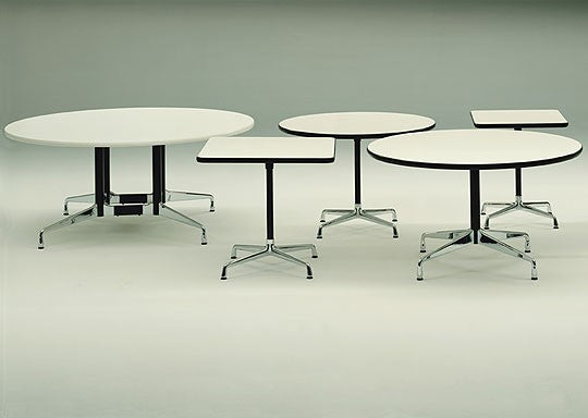 CE Aluminium Group Round Table 1958 - Timeless Design
