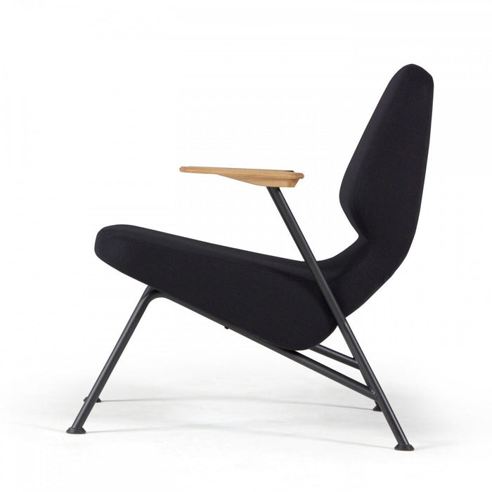 Oregon Lounge Chair - Timeless Design