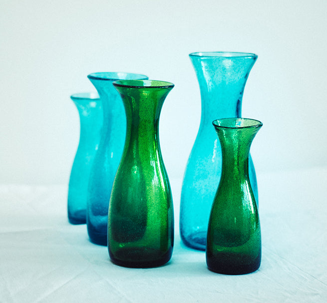 BRITISH COLOUR STANDARD  - 23.5cm H / 9.25'' Honey Bird Blue Handmade Glass Carafe 0.50 / 0.5 Quart