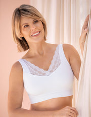 NEW! POCKETED MASTECTOMY BRA-WIRELESS LACE,REMOVEABLE PADDING-WHITE