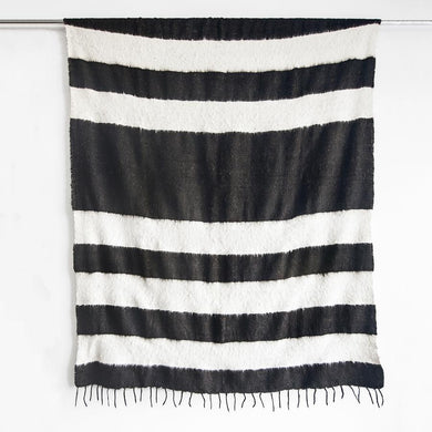Modern Momo Blanket | Wide Stripe Black
