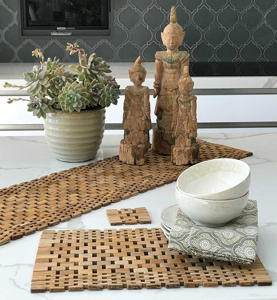 Teak Placemats (set of two) IPM082