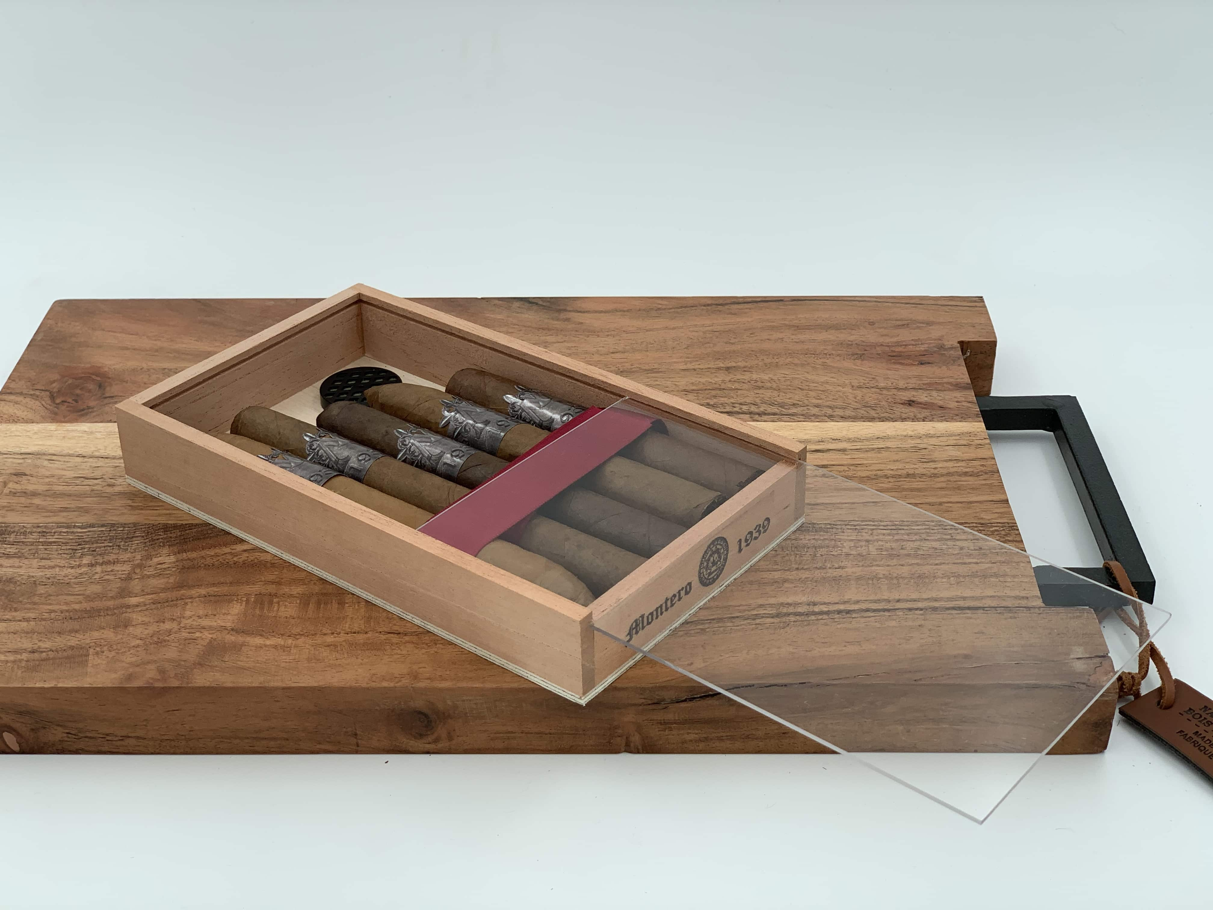 Montero 1939 - Pack of (5) Sampler Cigars & Cedar Wood Case Humidor (with see through cover)