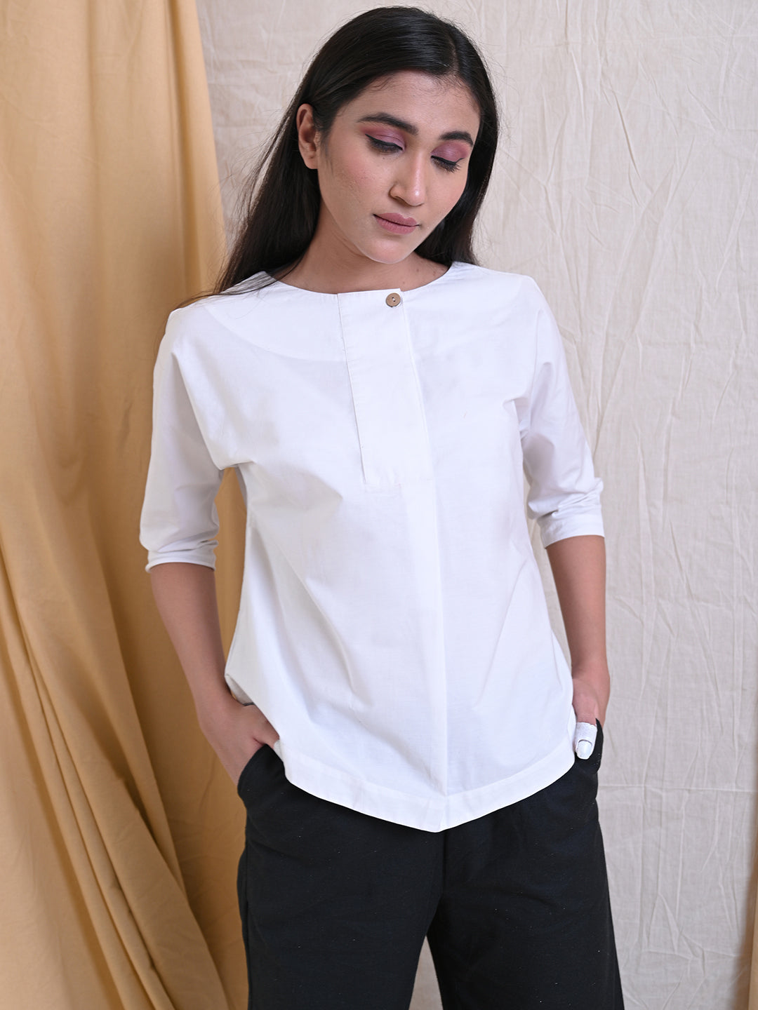 WHITE COLLARLESS SHIRT