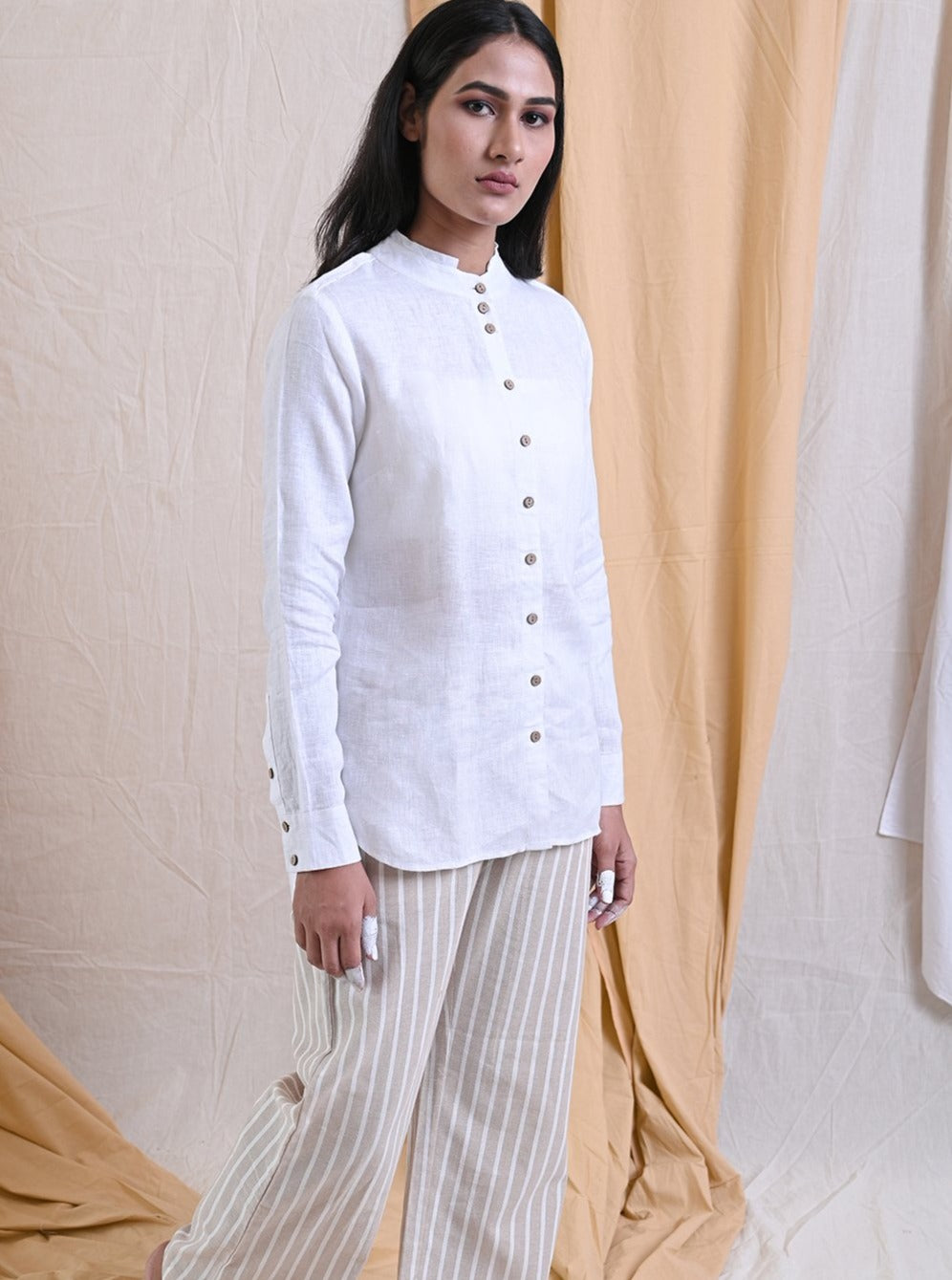 MANDARIN COLLARED LINEN SHIRT