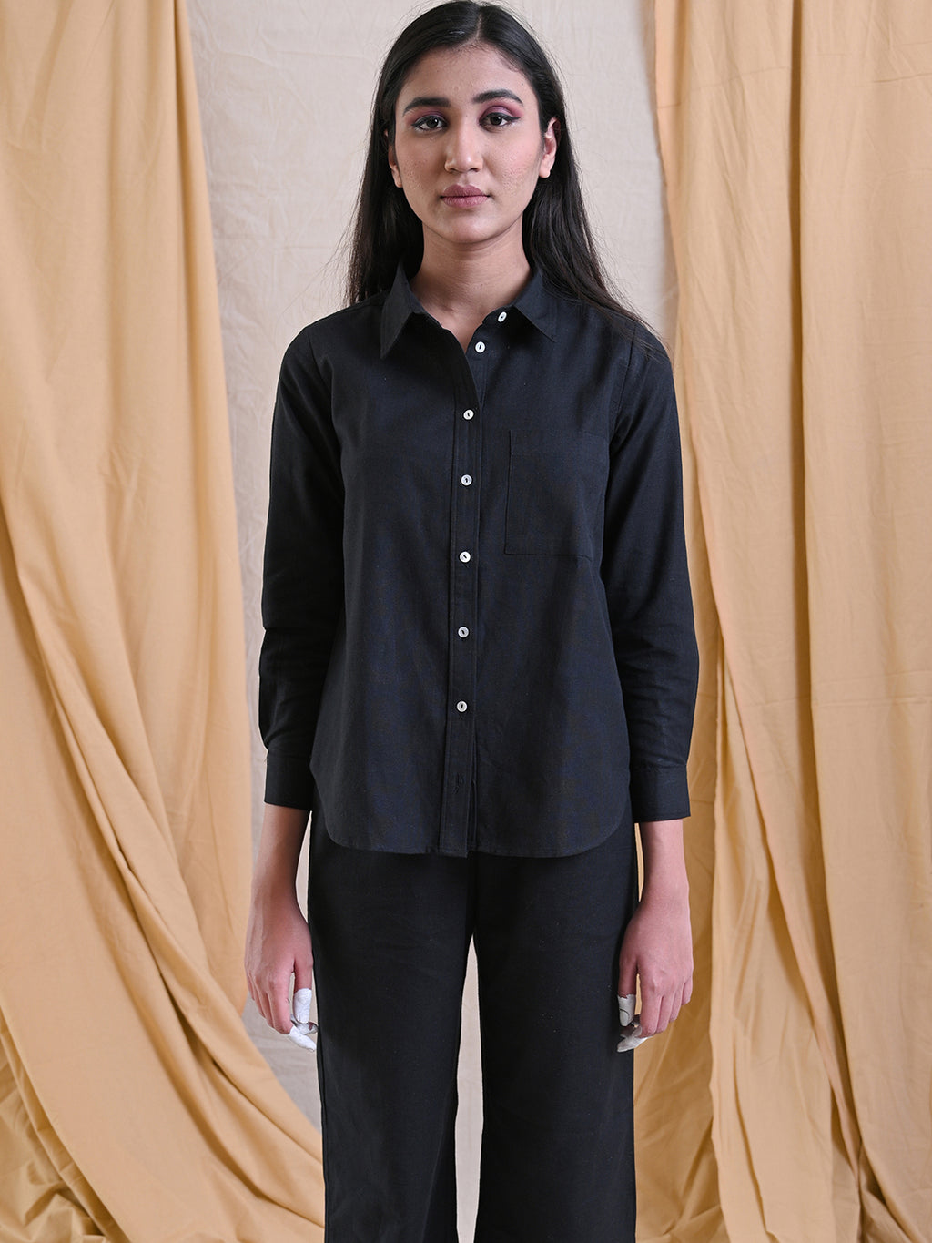 EASY BUTTON DOWN SHIRT - BLACK