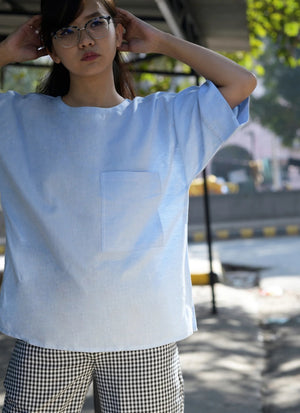 oversized top in light blue cotton