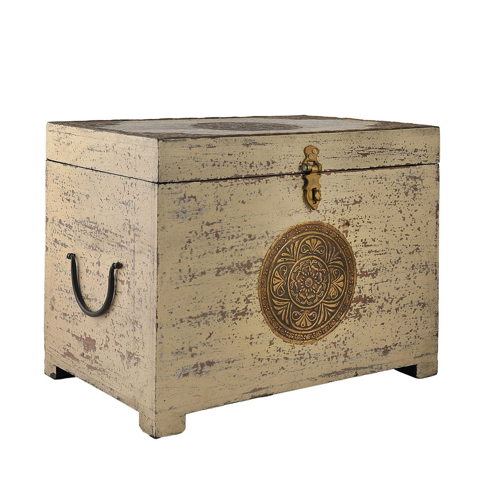 Antique Finish Vintage Trunk: White & Gold (Set Of 3)