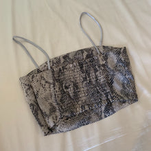 Load image into Gallery viewer, neckribbon camisole silver python