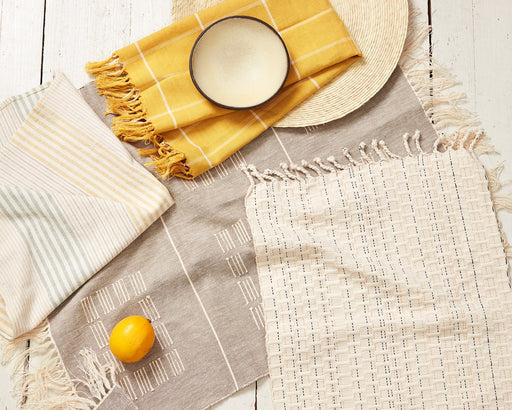 Grid Napkins in Gold