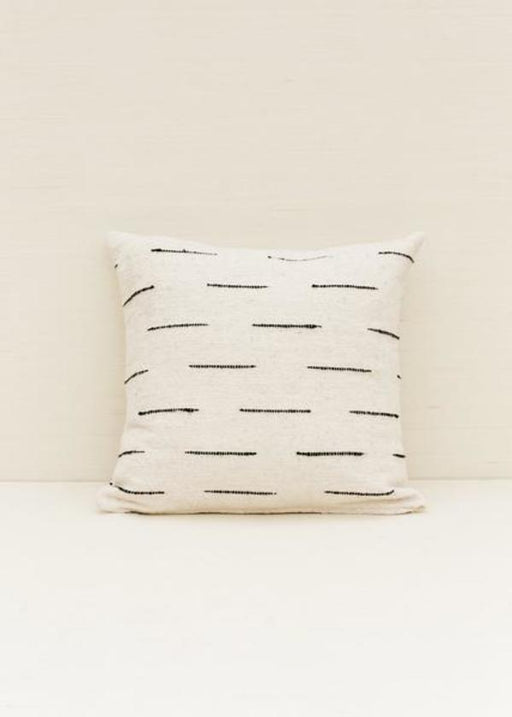 Flecha Pillow in Cream