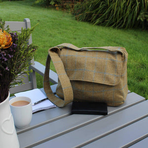 Crossbody bag in tan brown British tweed