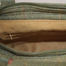 Load image into Gallery viewer, Beige Suede Lining Detail showing Internal Zipped Pocket