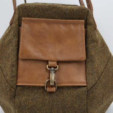 Load image into Gallery viewer, Chestnut Brown British Tweed with leather detailing shoulder bag