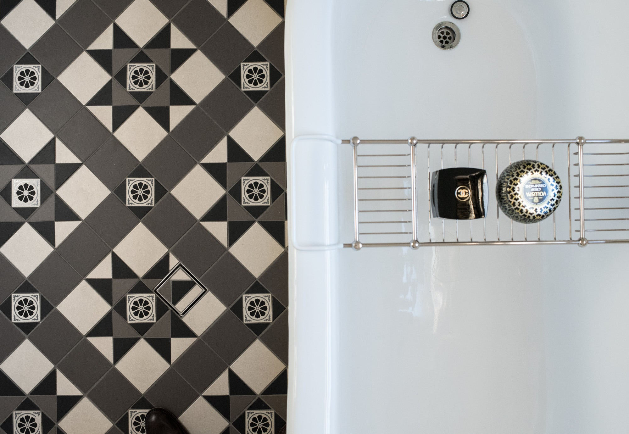 How To French Provincial Bathroom With Tessellated Tiles