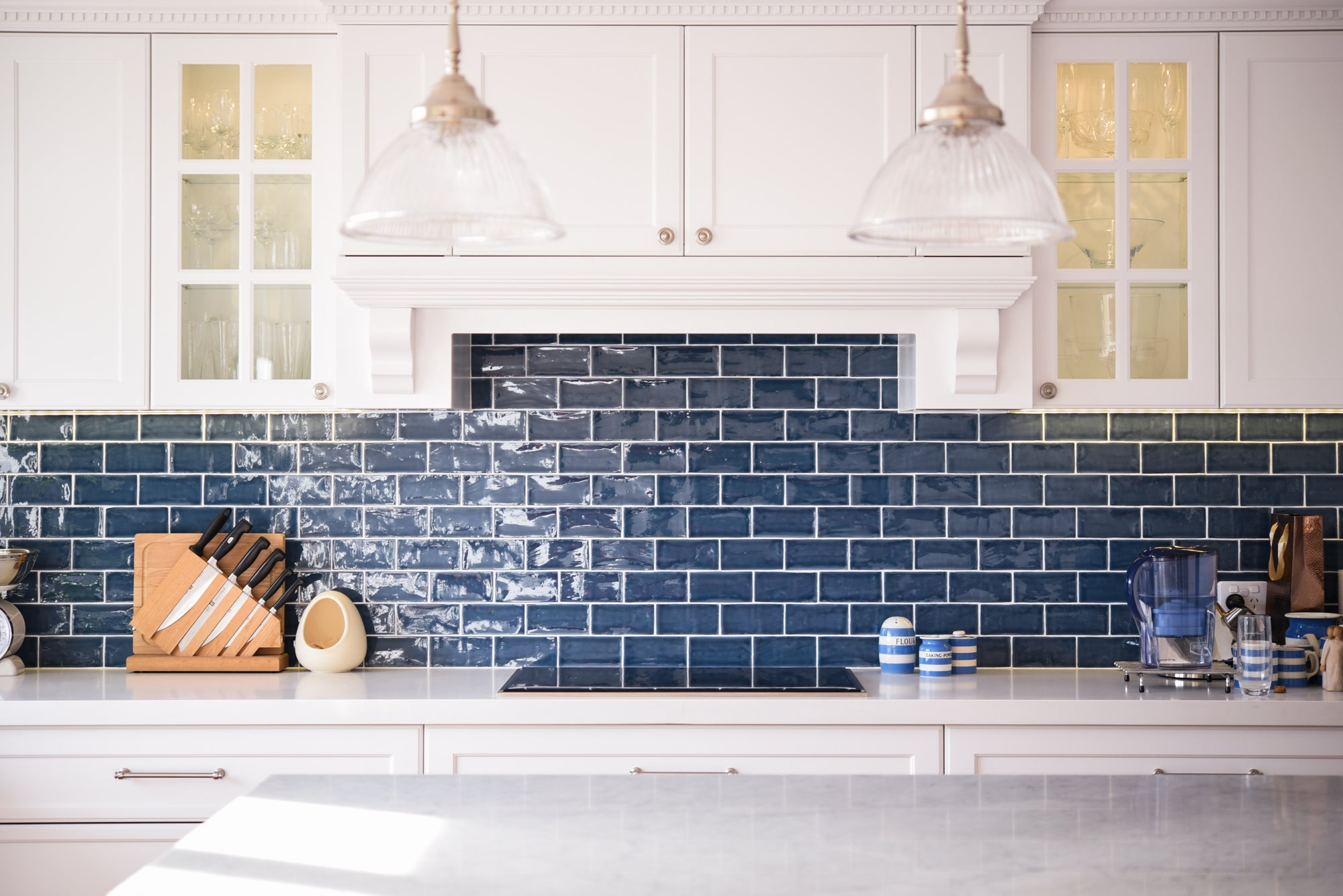 Bright_blue_kitchen_splashback_tile
