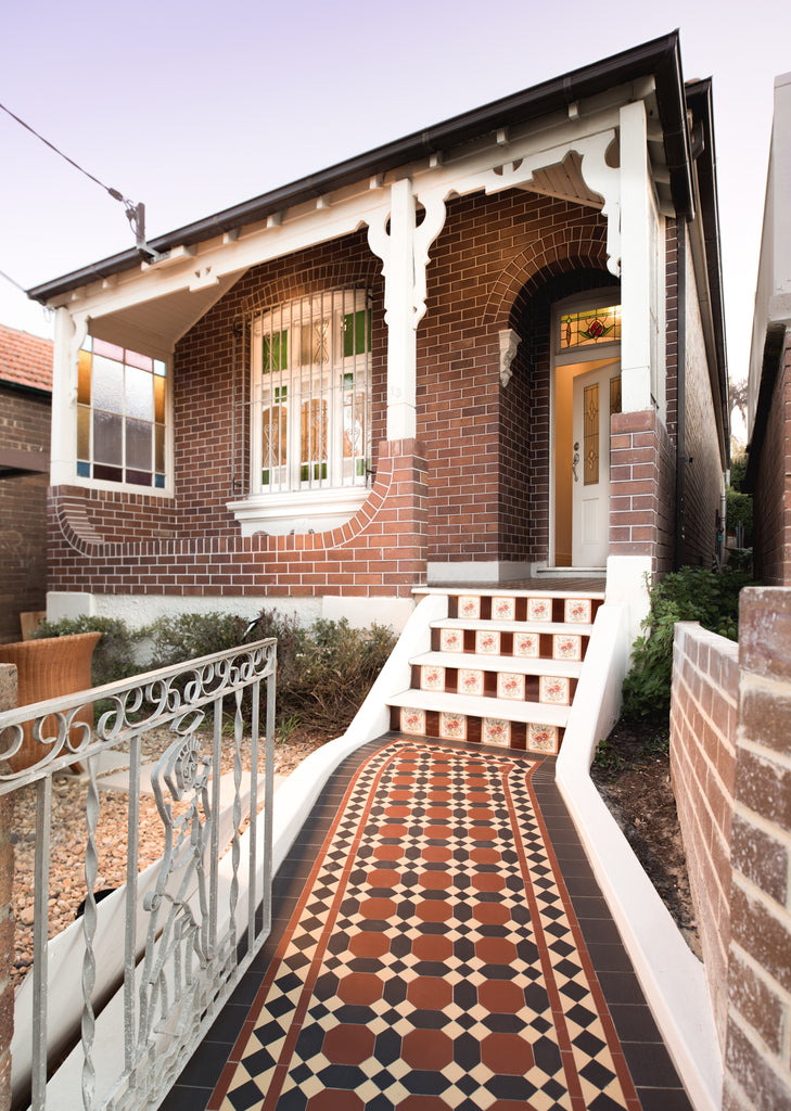 Tuck pointed Federation home with tessellated tiles