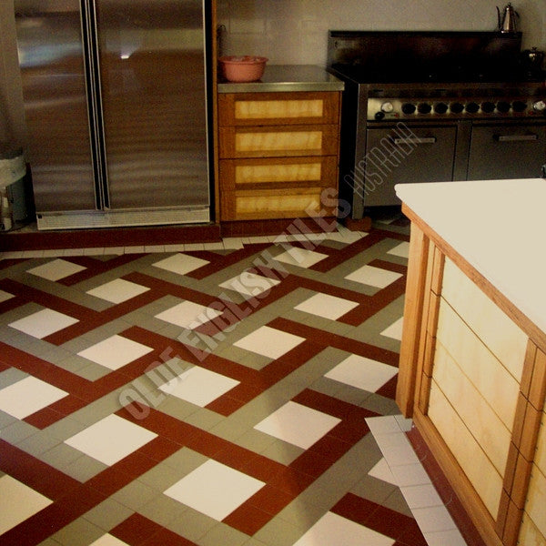 Olde English Tiles – Labyrinth pattern. Gorgeous Living Area