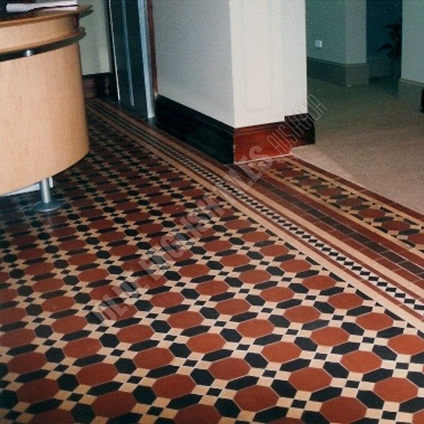 Olde English Tiles – Nottingham pattern with the Special custom border. Gorgeous Living Area