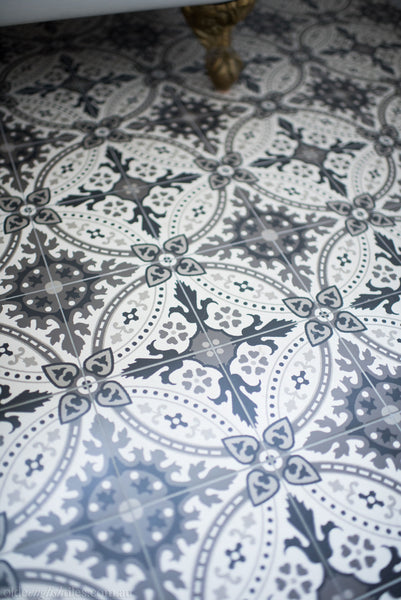 Encaustic Tiles Bronte bathroom