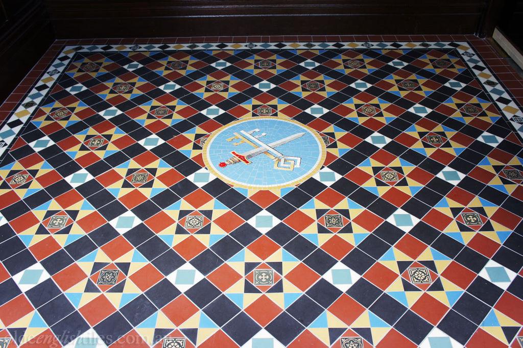 Olde English Tiles – Paddington pattern with the Norwood borderand theSpecial custom panel. Gorgeous Heritage Church Tiles