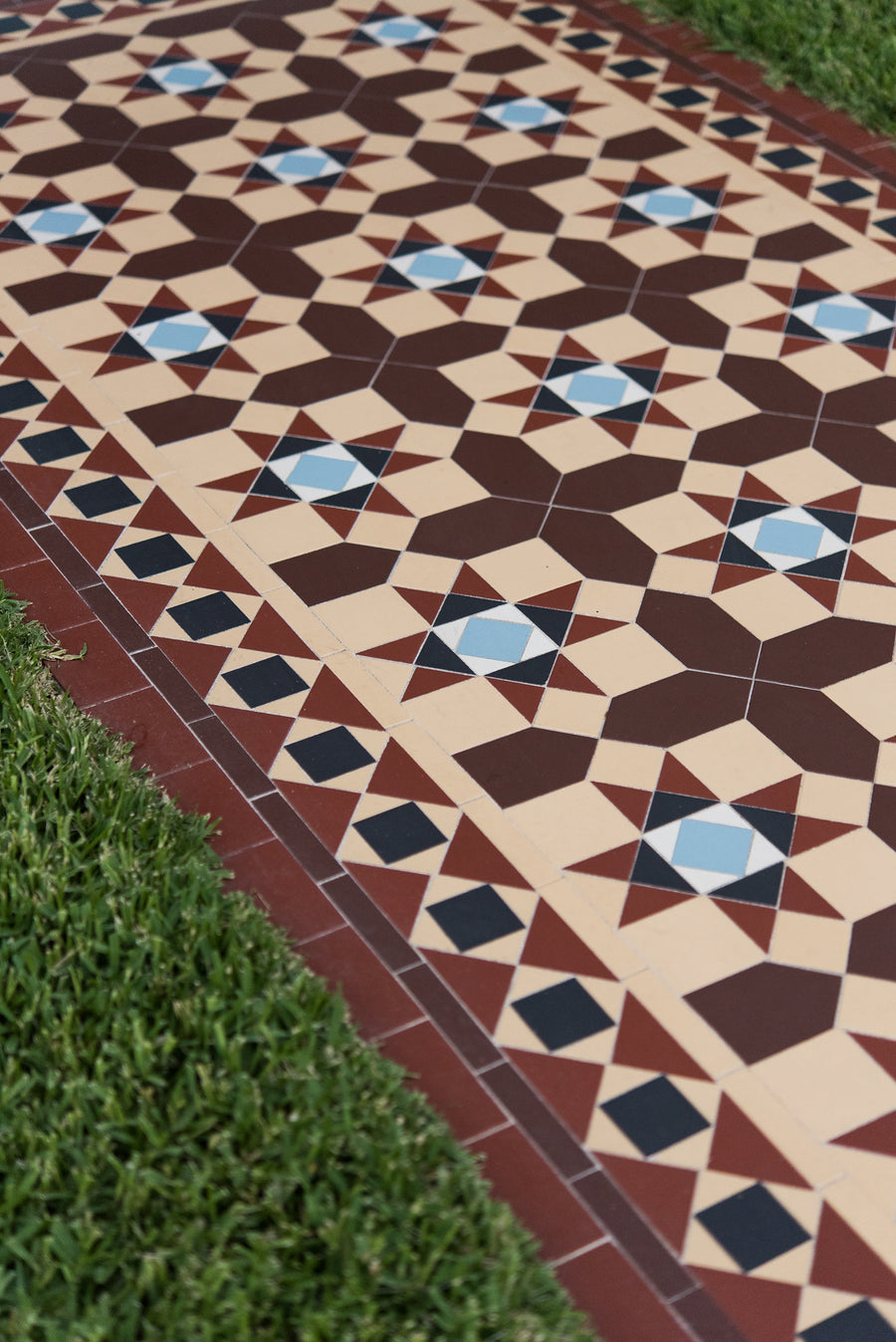 Path heritage tessellated tiles olde english tiles path heritage tessellated tiles default title dailygadgetfo Images