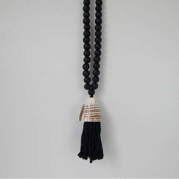 Macrame Tassel With Shell