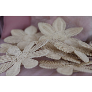 PRE-ORDER - 🌼 RATTAN WILDFLOWERS 🌼 - SET OF 8
