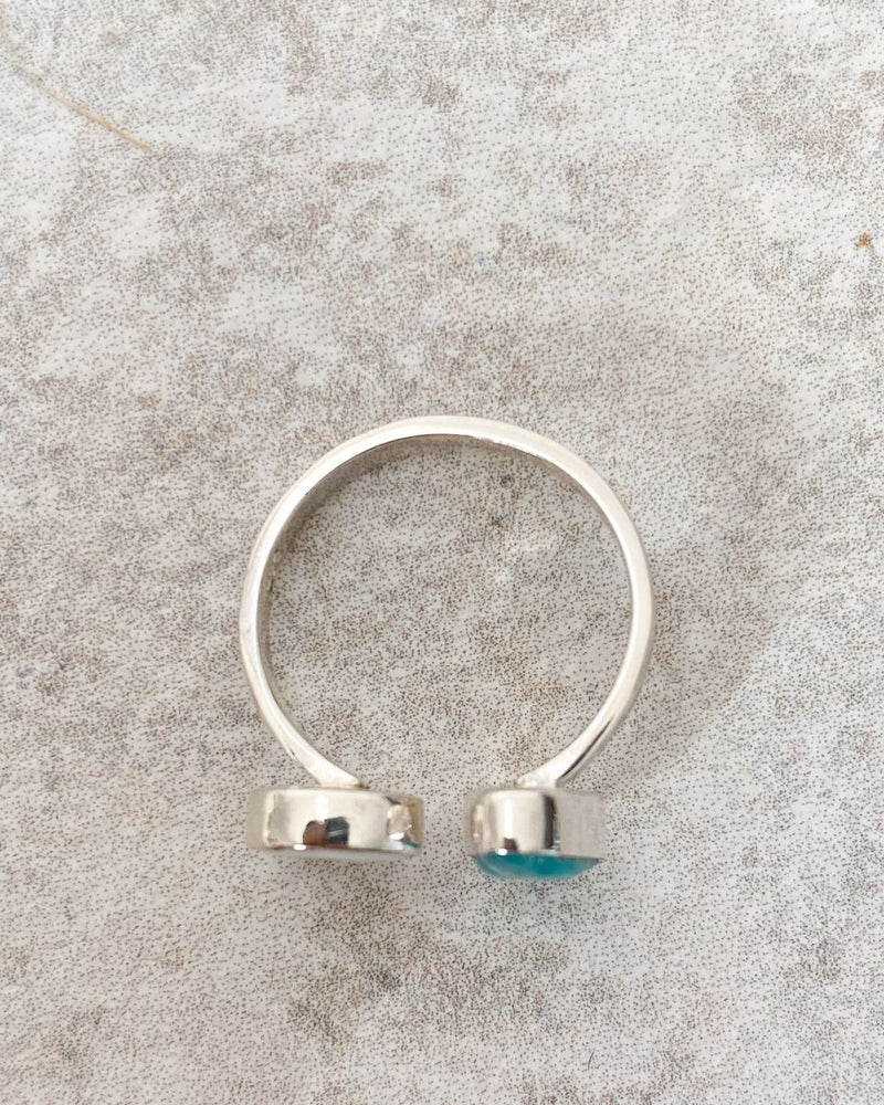 bague shoreline en argent coquillage et pierre bleu living by the waves bijoux ocean bohème detail