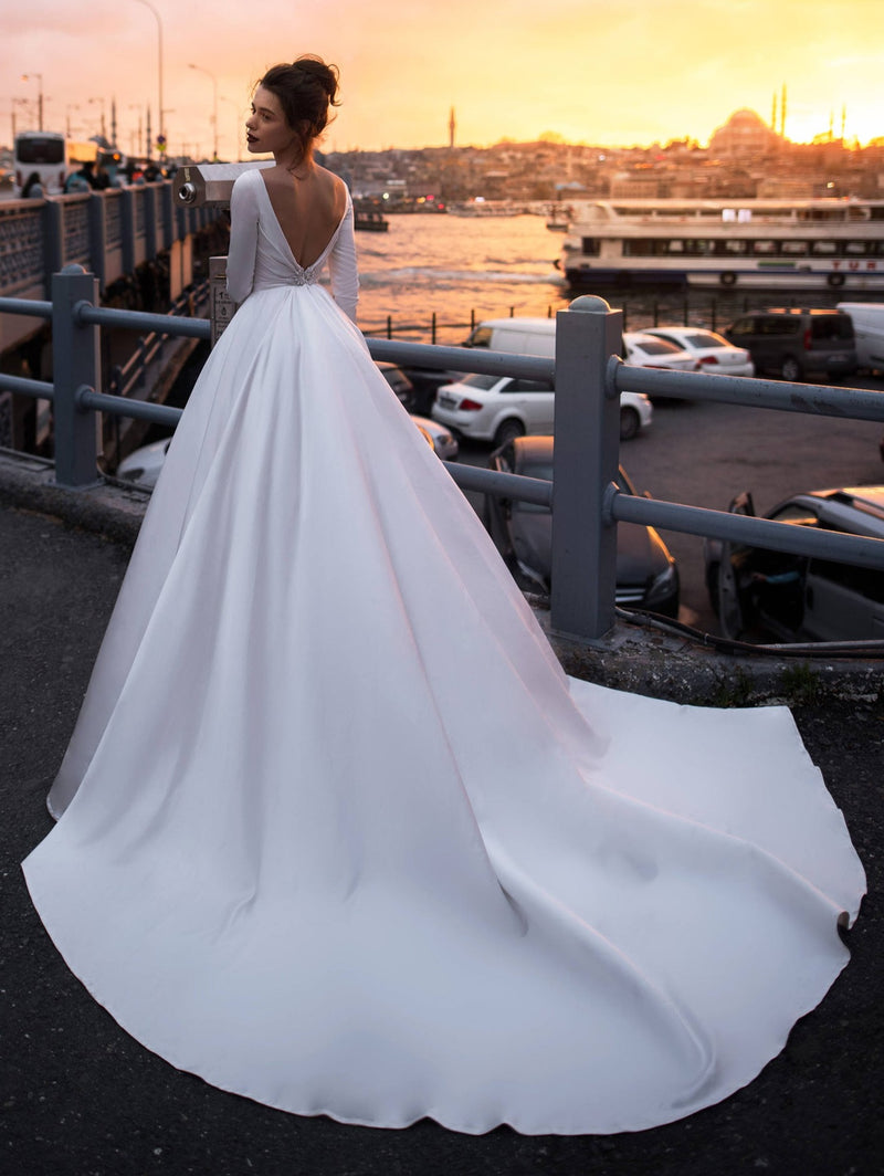 v-back long sleeve wedding dress