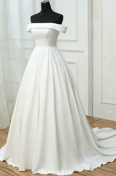 simple plus size wedding dress