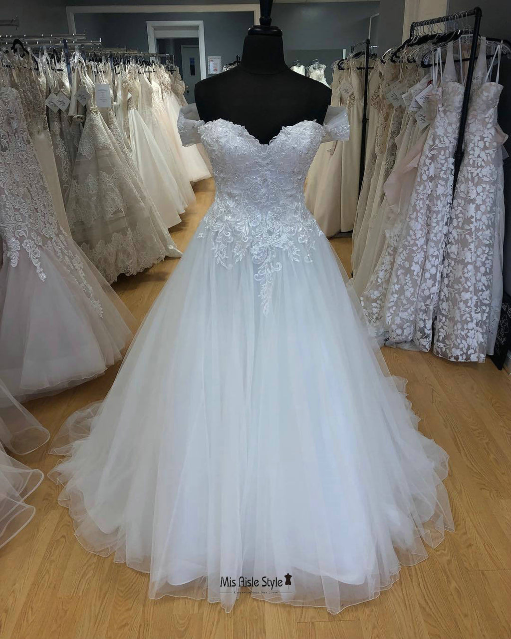 off shoulder sleeves wedding dress