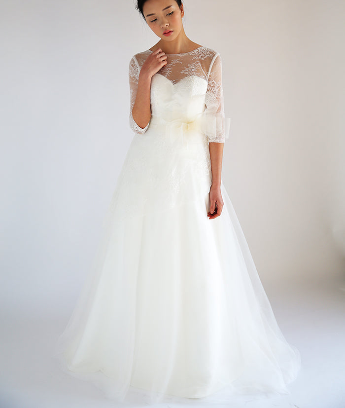 Half sleeve lace wedding dress