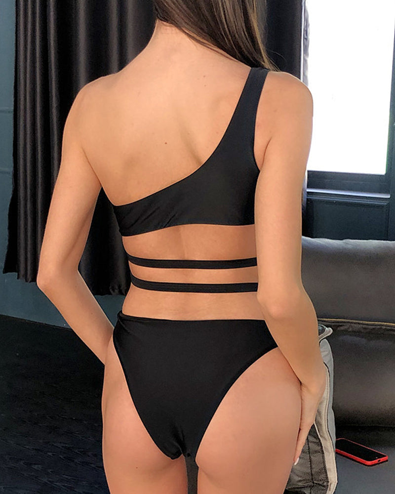 One Shoulder Cutout Buckle One Piece Swimwear