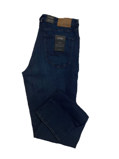 34 Heritage Charisma Classic Fit Jeans in Deep Shaded Ultra