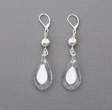 Upload image to gallery, White heart princess earring