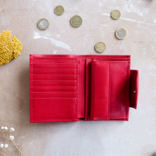 Load image into Gallery viewer, MEDIUM WOMAN'S WALLET- RED