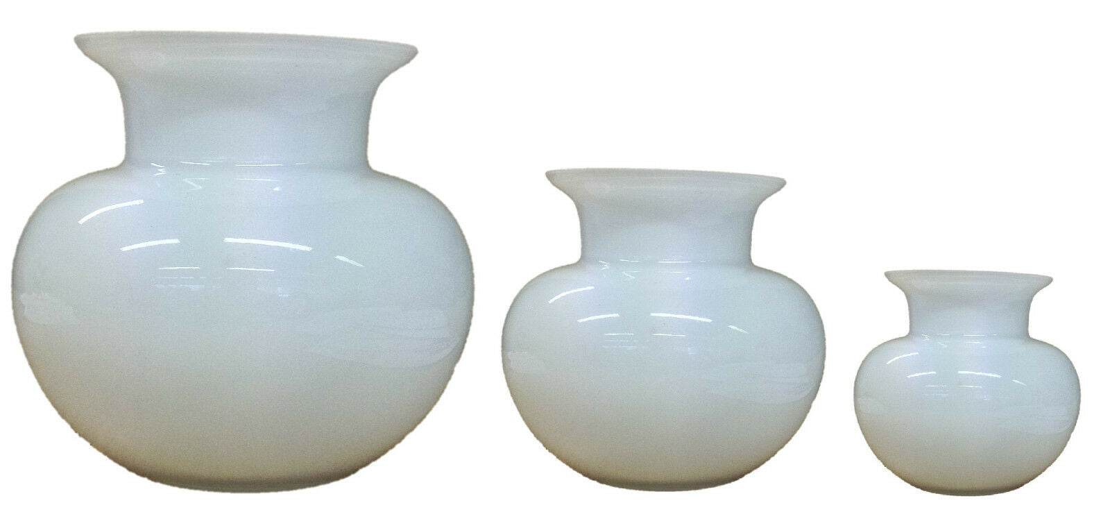 Alicija Handmade Glass Decorative White Rounded Flower Vase