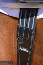 Load image into Gallery viewer, Kentaur 'cassis' Stud Girth Jumping Girths Black