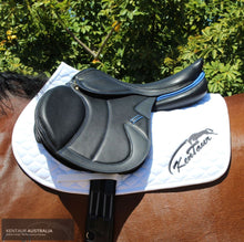Load image into Gallery viewer, Kentaur Kronos Jumping Saddle Black Jumping Saddles