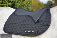 Load image into Gallery viewer, Kentaur Neo Non Slip Saddle Pad Black / Jumping Saddle Pad