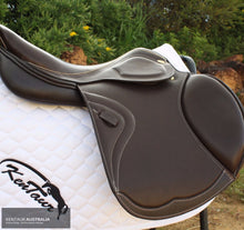 Load image into Gallery viewer, Kentaur 'triton' Jumping Saddle Saddles