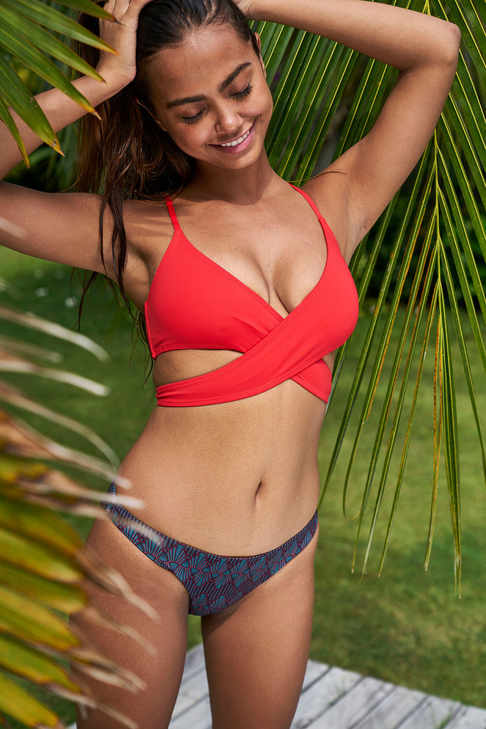 Coral Loop Bikini Top-bikini top red sustainable swimsuit Loop Swim