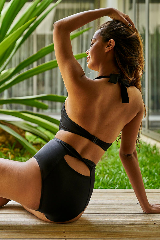 Noir Fernanda-one-piece black sustainable swimsuit Loop Swim