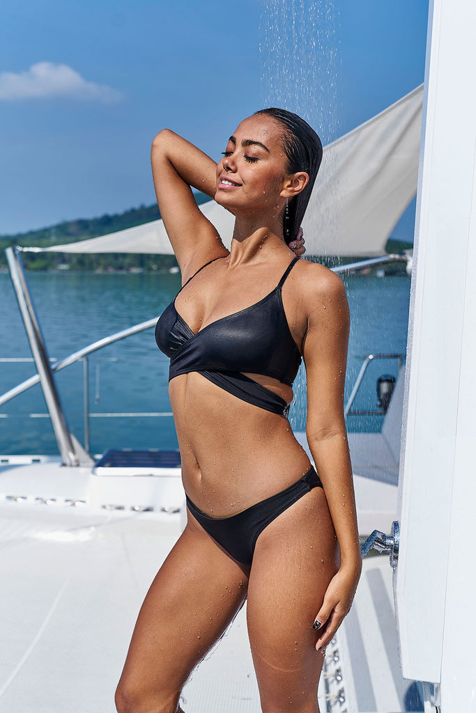 Noir Loop Bikini Top-bikini top black sustainable swimsuit Loop Swim