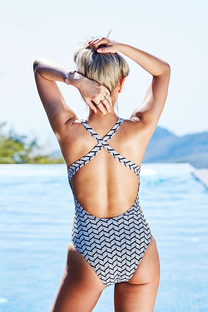 jazmine black and white criss cross print sustainable one piece Loop Swim