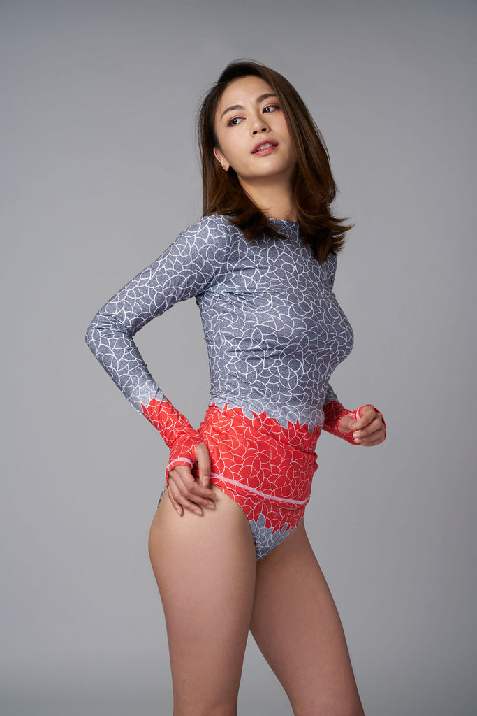 Coral Deco Sunseeker Rashie-rash guard red blue pattern sustainable Loop Swim